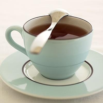 drink-tea-sore-throat-400x400.jpg